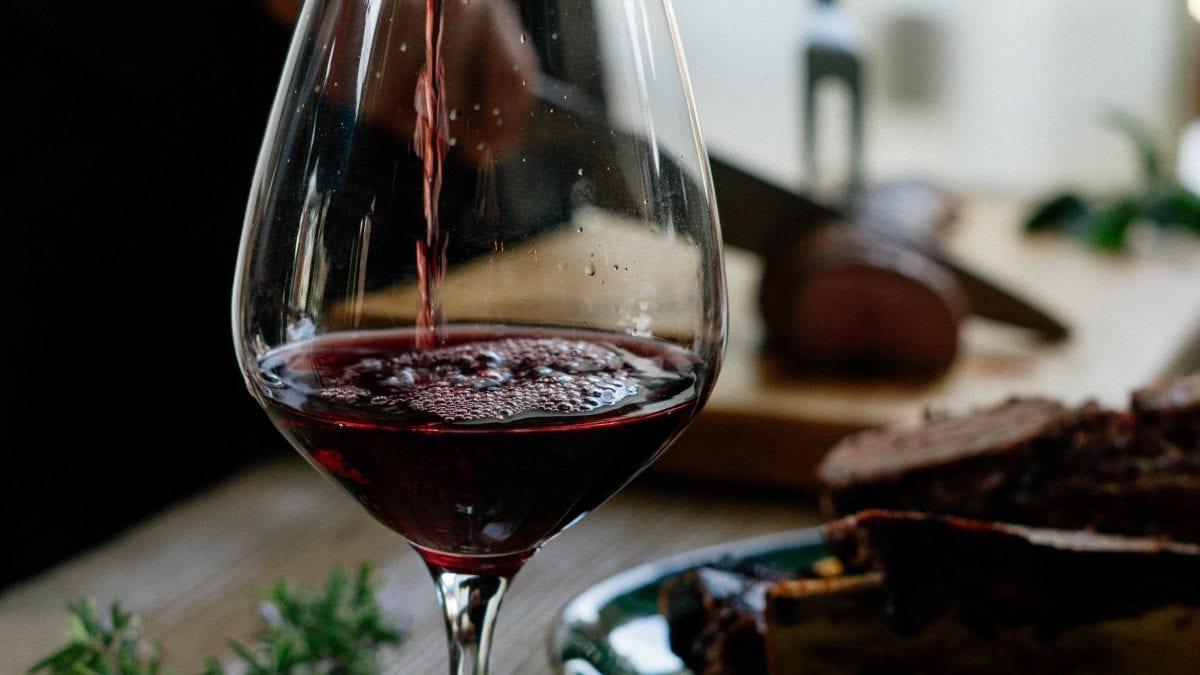 Como pedir vinho em Restaurante. 10 dicas para pedir vinho como um profissional!