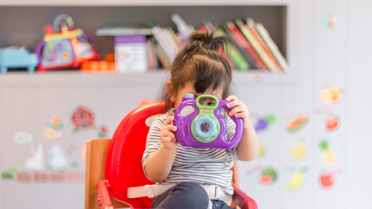 Crianças em casa: 8 brincadeiras para distrair na quarentena